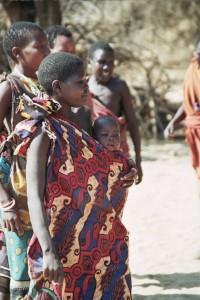 Hadza women © Idobi. CC BY-SA 3.0.